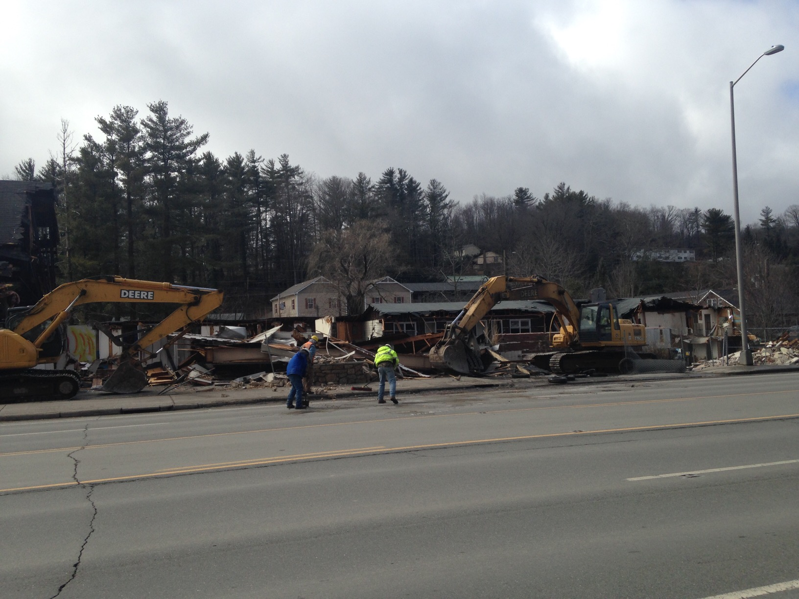 Scottish Inn demolition March 2 2015 (1)