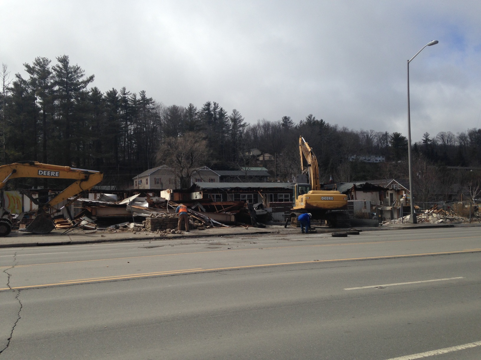 Scottish Inn demolition March 2 2015 (5)