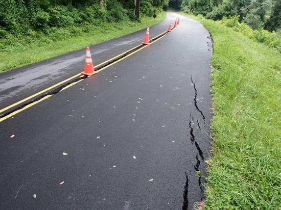 Parkway crack3