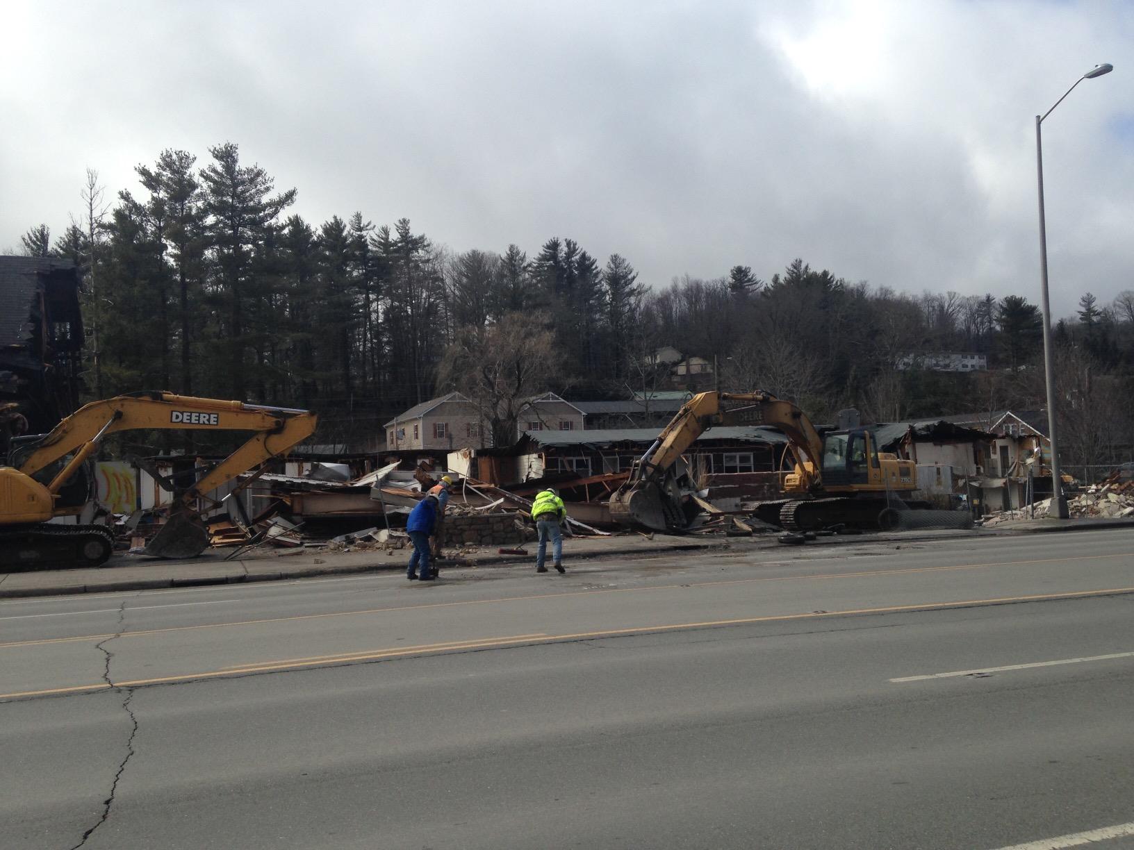 Scottish Inn demolition March 2 2015 (1)