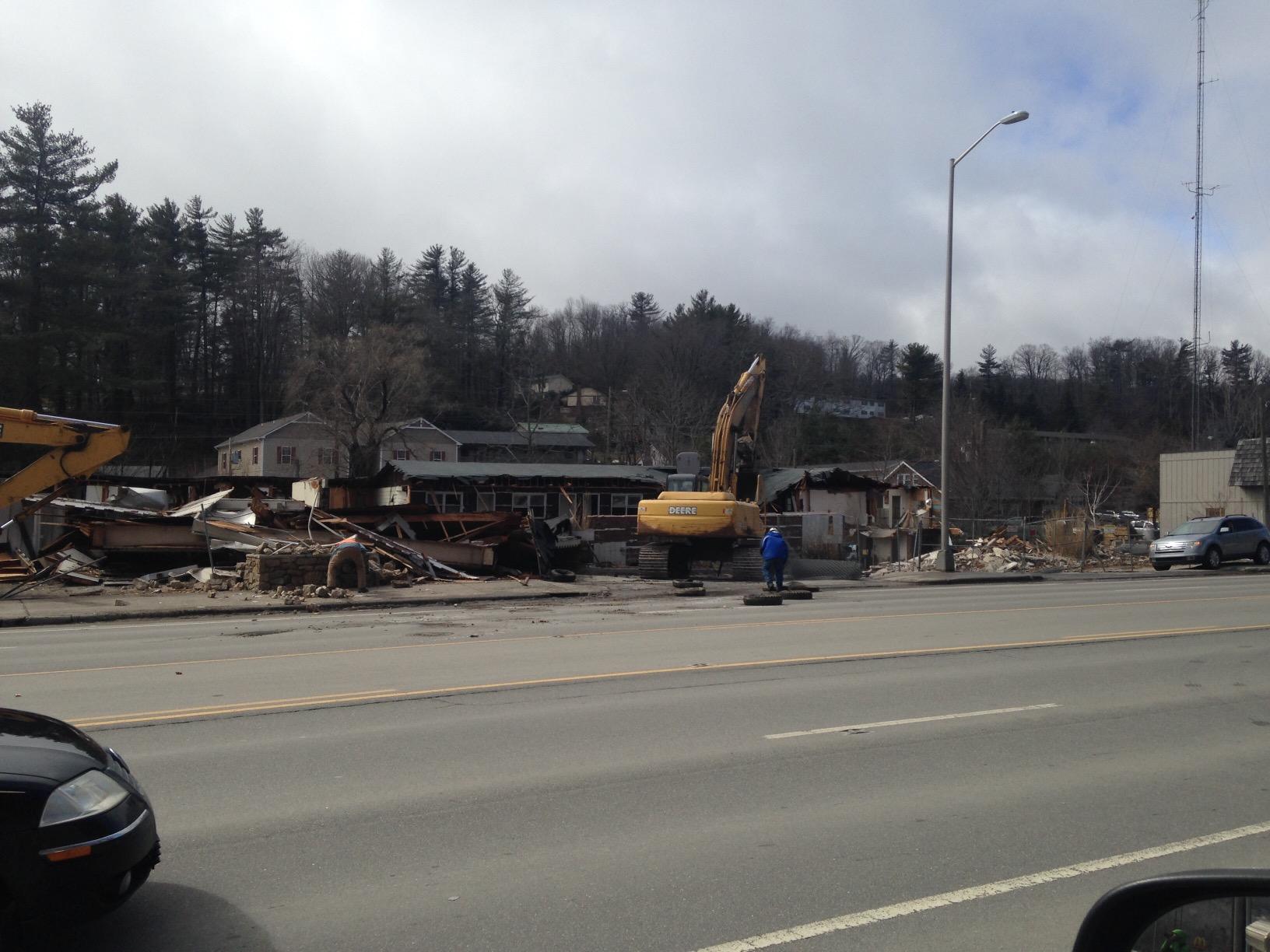 Scottish Inn demolition March 2 2015 (6)